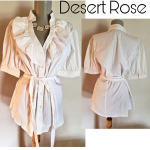 Desert Rose white ruffle cotton top w/belt. Sz sm